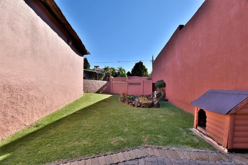 Property For Sale in Linmeyer, Johannesburg 19