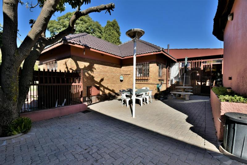 Property For Sale in Linmeyer, Johannesburg 20