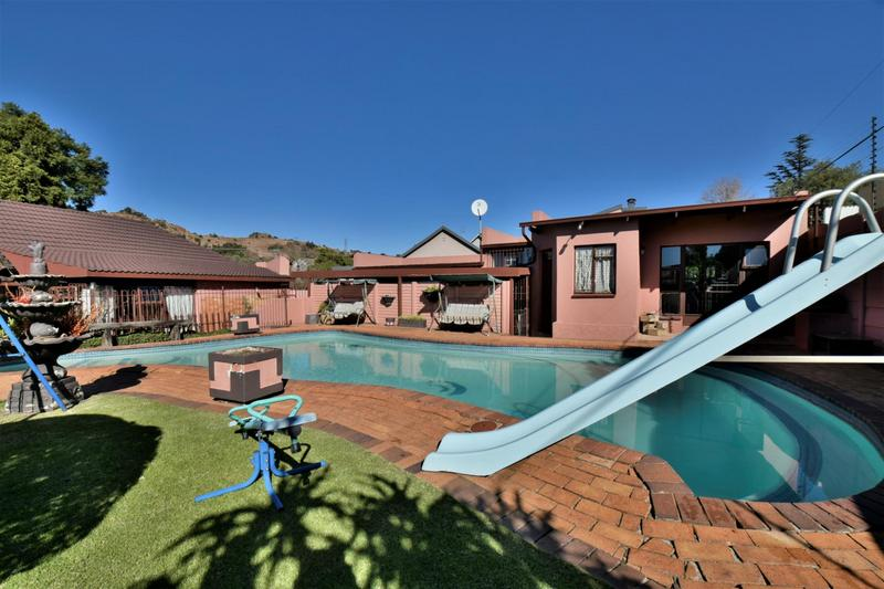 Property For Sale in Linmeyer, Johannesburg 23