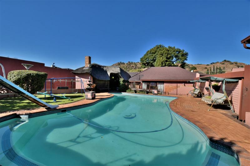 Property For Sale in Linmeyer, Johannesburg 24