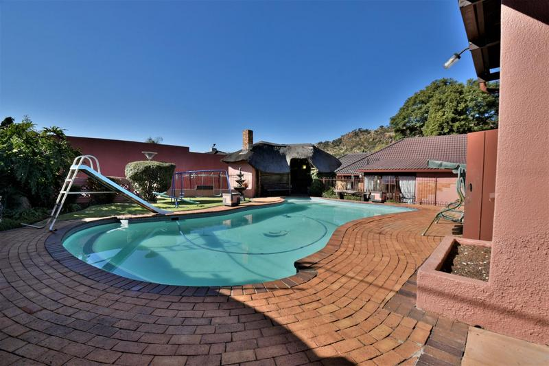 Property For Sale in Linmeyer, Johannesburg 32