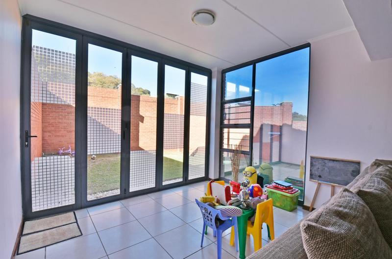 Property For Sale in Glenvista, Johannesburg 8