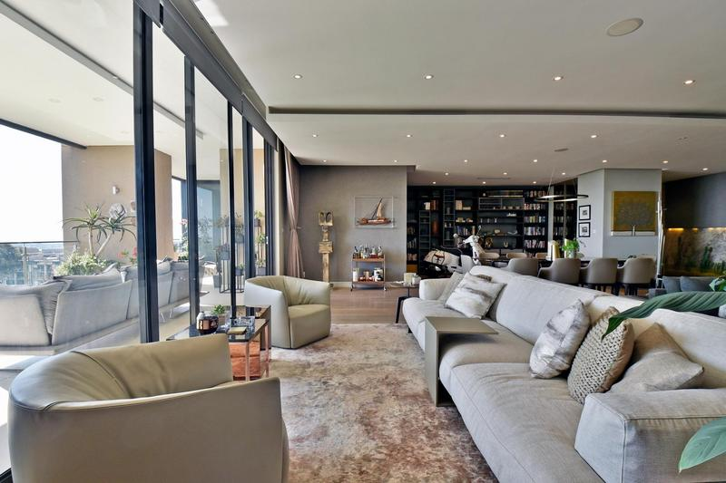 Property For Sale in Houghton, Johannesburg 10