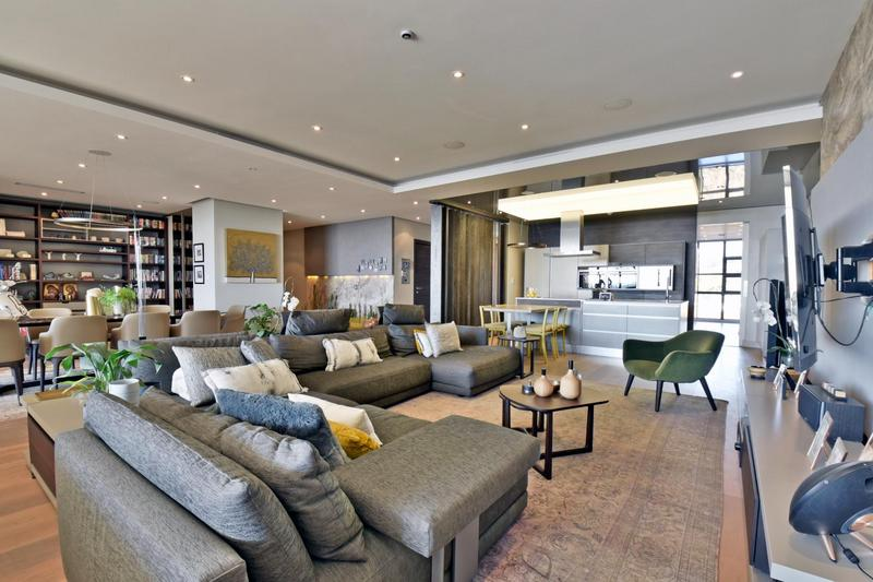 Property For Sale in Houghton, Johannesburg 15
