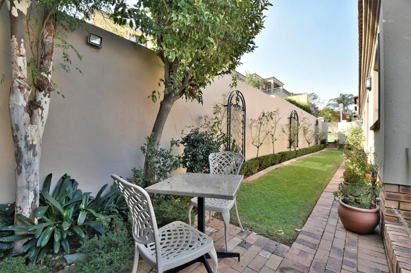 Property For Sale in Bassonia, Johannesburg 40