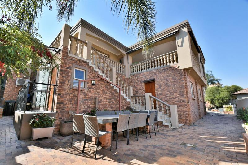 Property For Sale in Bassonia, Johannesburg 41