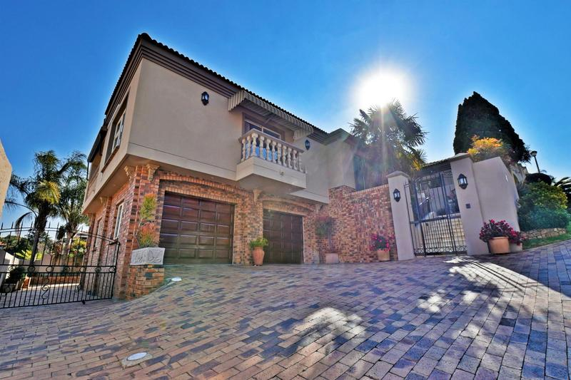 Property For Sale in Bassonia, Johannesburg 43