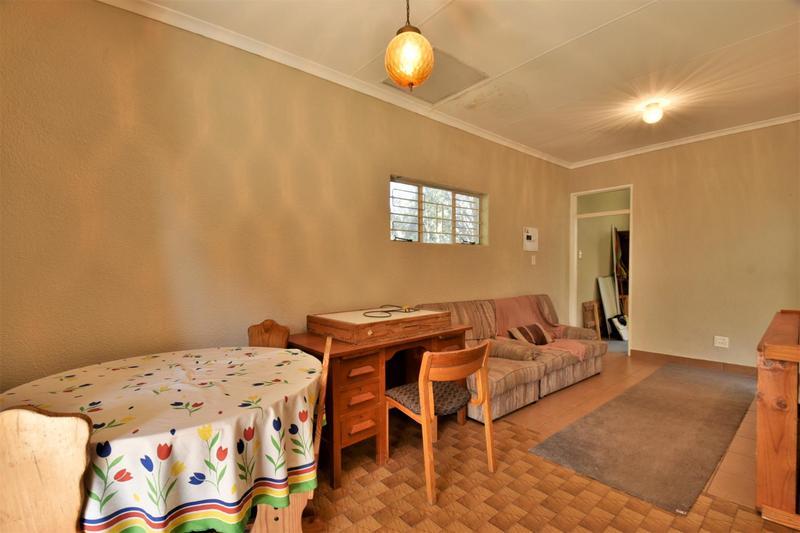Property For Sale in Glenvista, Johannesburg 34
