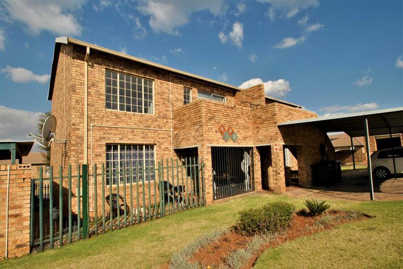 Property For Sale in Elandspark, Johannesburg 2