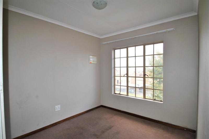 Property For Sale in Elandspark, Johannesburg 8
