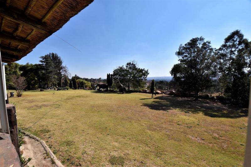 Property For Sale in Eikenhof, Johannesburg 7