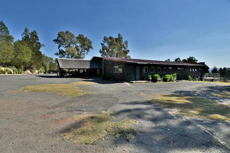 Property For Sale in Eikenhof, Johannesburg 8