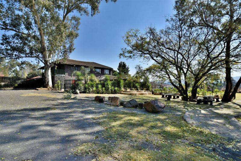 Property For Sale in Eikenhof, Johannesburg 9