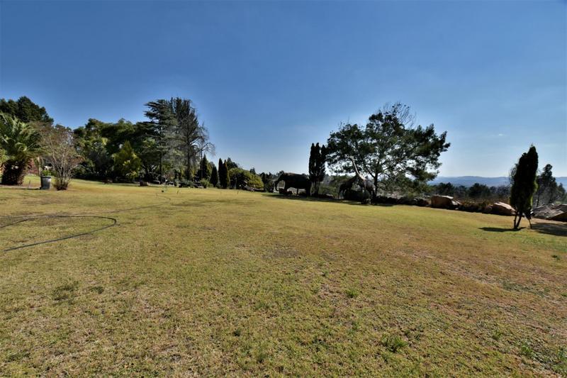Property For Sale in Eikenhof, Johannesburg 10