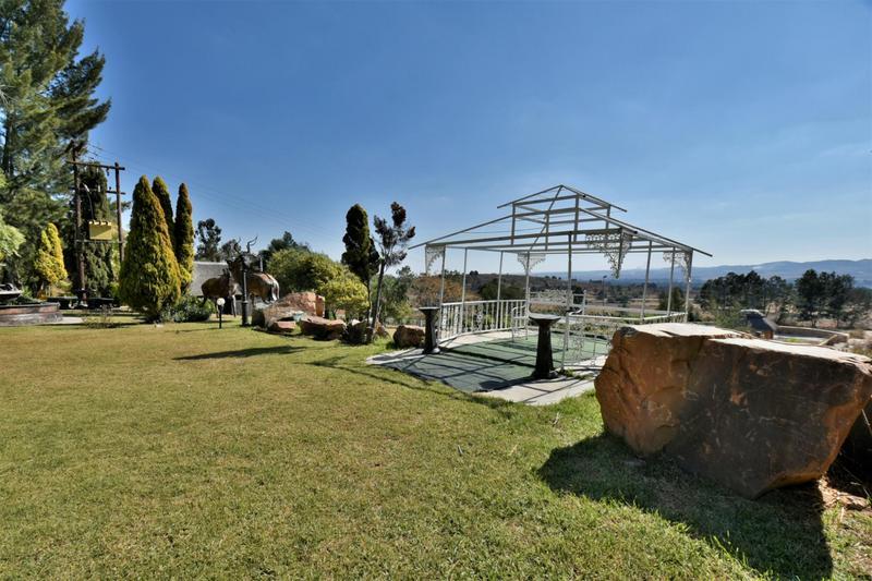 Property For Sale in Eikenhof, Johannesburg 12