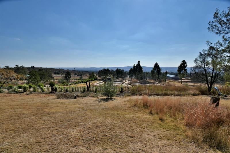 Property For Sale in Eikenhof, Johannesburg 13