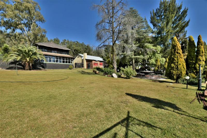 Property For Sale in Eikenhof, Johannesburg 14
