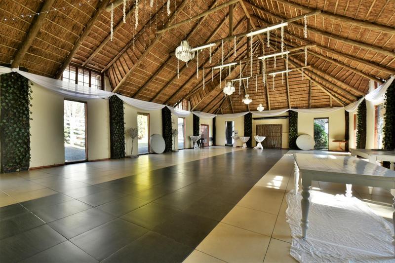 Property For Sale in Eikenhof, Johannesburg 17