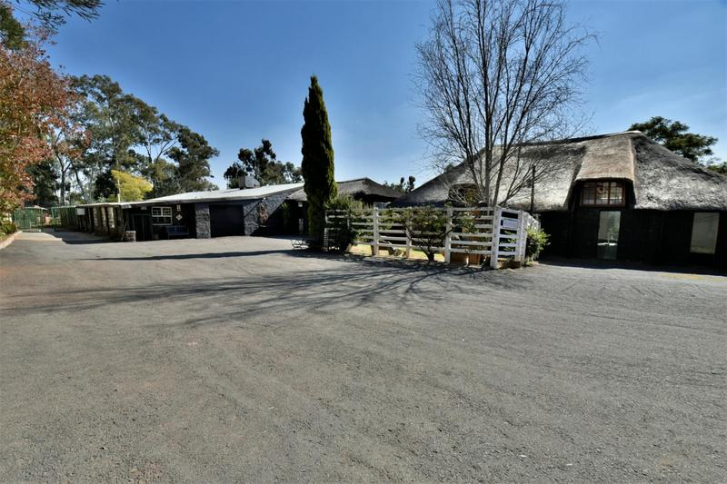 Property For Sale in Eikenhof, Johannesburg 18