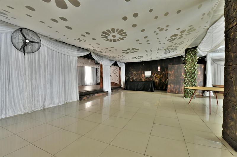 Property For Sale in Eikenhof, Johannesburg 21
