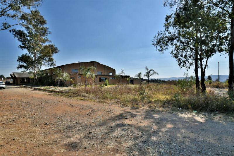 Property For Sale in Eikenhof, Johannesburg 28