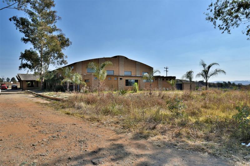 Property For Sale in Eikenhof, Johannesburg 29