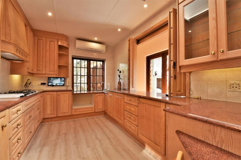 Property For Sale in Parktown, Johannesburg 3