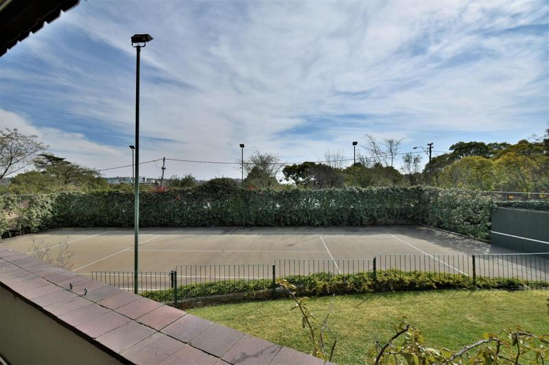 Property For Sale in Parktown, Johannesburg 9