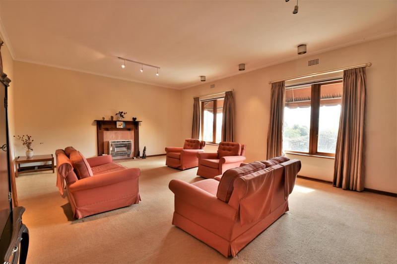 Property For Sale in Parktown, Johannesburg 13