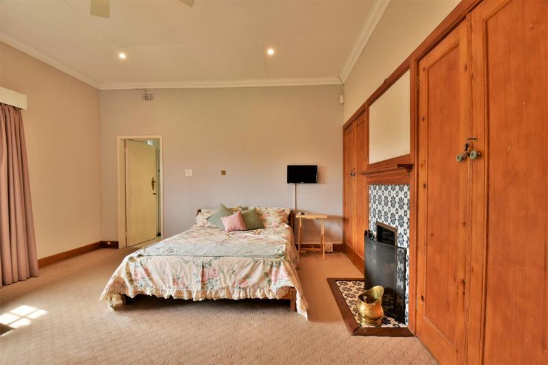 Property For Sale in Parktown, Johannesburg 22