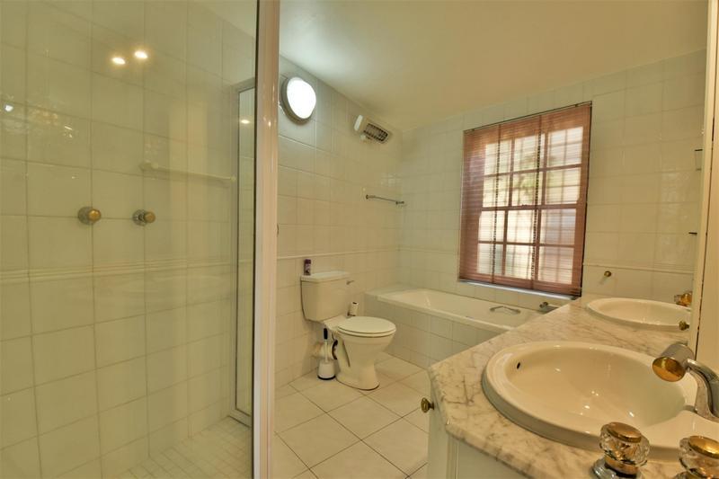 Property For Sale in Parktown, Johannesburg 23