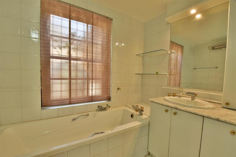 Property For Sale in Parktown, Johannesburg 24