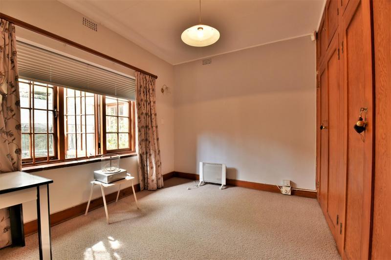 Property For Sale in Parktown, Johannesburg 25