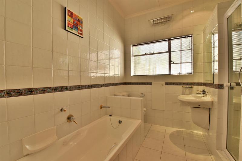 Property For Sale in Parktown, Johannesburg 26