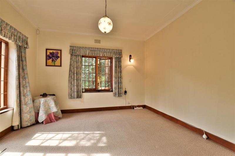 Property For Sale in Parktown, Johannesburg 27