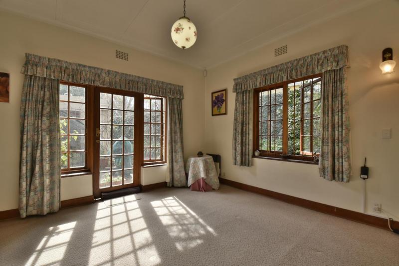 Property For Sale in Parktown, Johannesburg 28