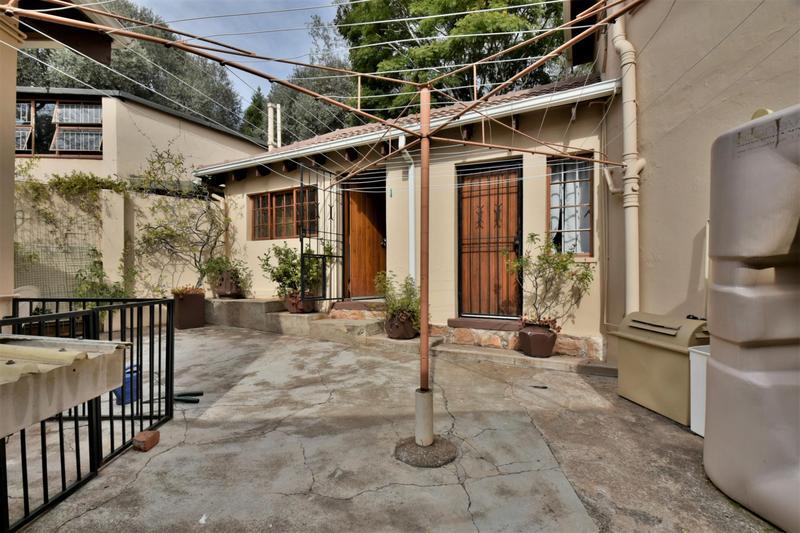 Property For Sale in Parktown, Johannesburg 38
