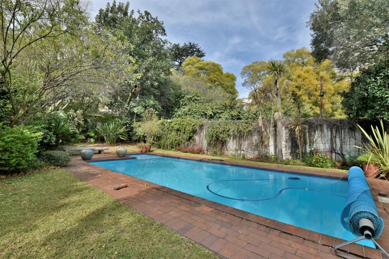 Property For Sale in Parktown, Johannesburg 39