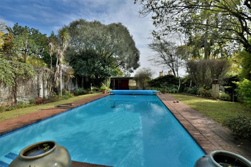 Property For Sale in Parktown, Johannesburg 40