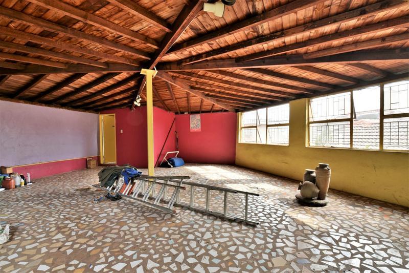Property For Sale in Parktown, Johannesburg 41