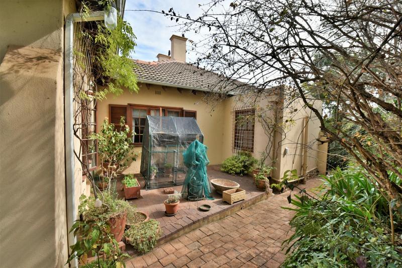 Property For Sale in Parktown, Johannesburg 42