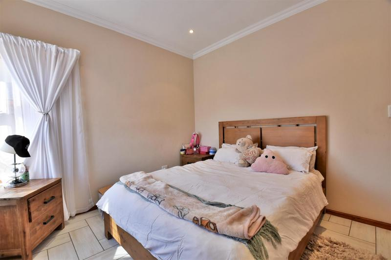 Property For Sale in South Crest, Alberton 33