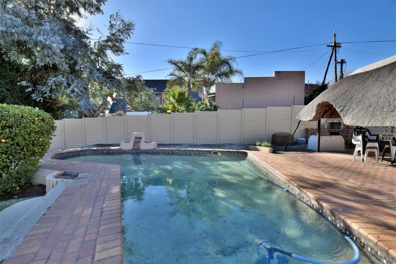 Property For Sale in Mondeor, Johannesburg 22