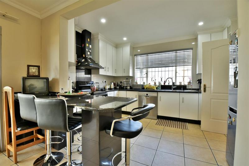 Property For Sale in The Hill, Johannesburg 5