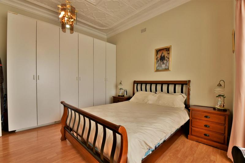 Property For Sale in The Hill, Johannesburg 14