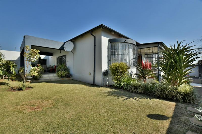 Property For Sale in The Hill, Johannesburg 25