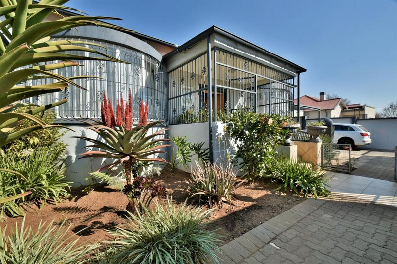Property For Sale in The Hill, Johannesburg 26