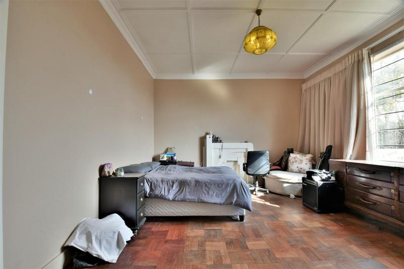 Property For Sale in Fairwood, Johannesburg 9