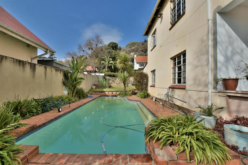 Property For Sale in Fairwood, Johannesburg 17