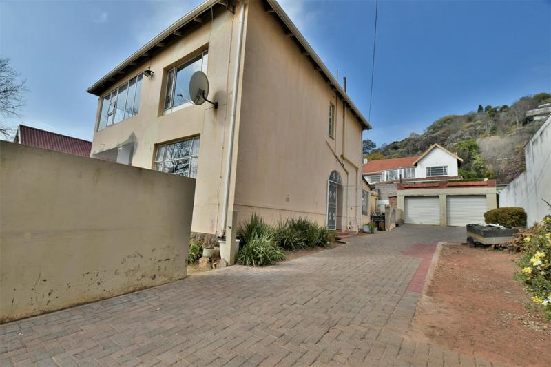 Property For Sale in Fairwood, Johannesburg 19